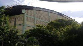 La Asociación de Baloncesto de Puerto Plata decidió suspender el torneo de baloncesto superior en esa provincia debido al deterioro del polideportivo.