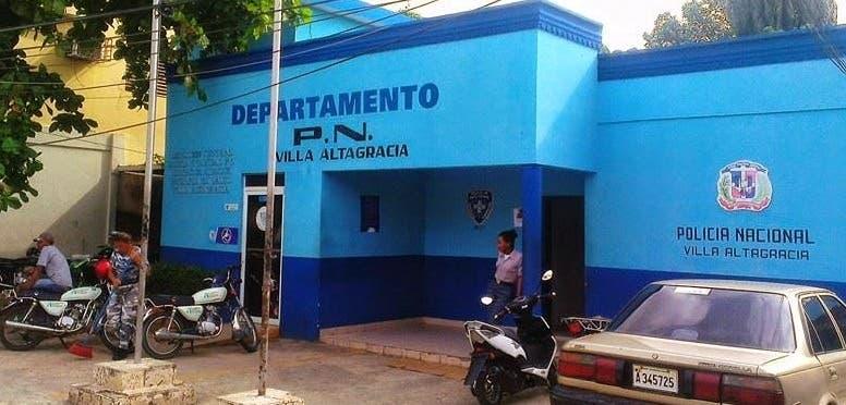 Destacamento de la Policía en Villa Altagracia.