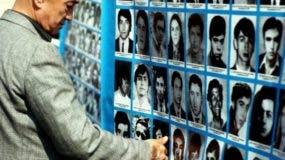 La desaparición de Grez Aburto formó parte de la Operación Colombo, un acto propagandístico del régimen militar (1973-1990) que buscó encubrir la desaparición de 119 opositores haciendo creer a la opinión pública que los desaparecidos habían muerto en enfrentamientos internos y con fuerzas de seguridad extranjeras.