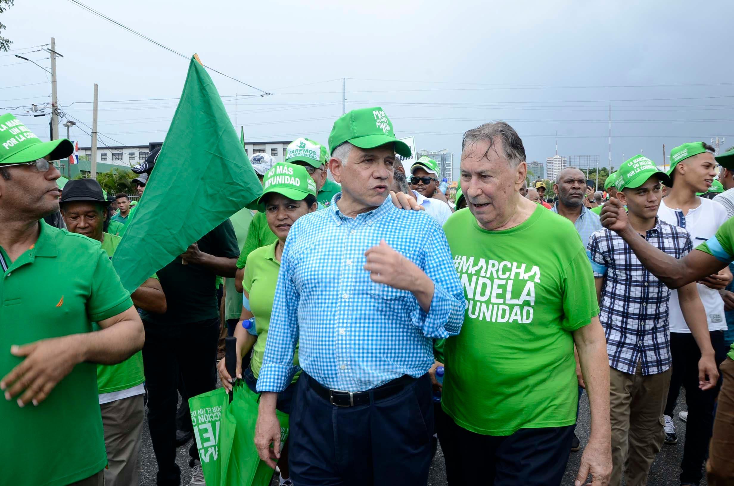 5. Eduardo Estrella fue uno de los dirigentes políticos que participó en la Marcha del Millón