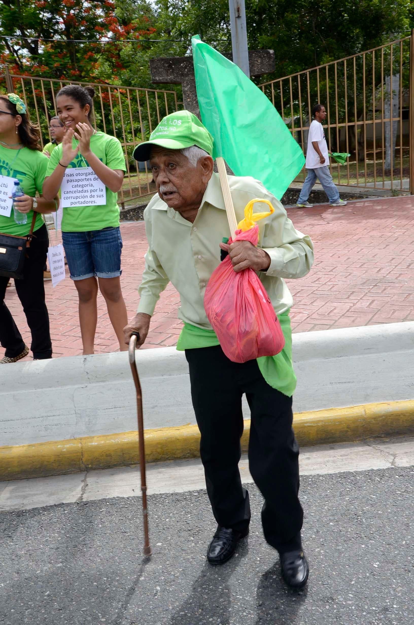 13. Niños, envejecientes y personas de todos los estratos sociales se unieron a la marcha del millón