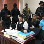Marlon y su madre Marlin Martínez son los principales acusados del crimen de la adolescente embarazada Emely Peguero.