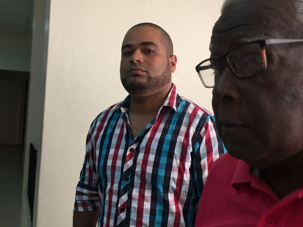 Image result for Chofer que propino trompada a coronel de la policia en san francisco macoris