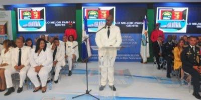 El alcalde Alfredo Martínez durante su rendición de cuentas ante los miembros de la Sala Capitular y personalidades invitadas.