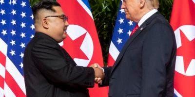 kim_jong-un-y-donald-trump-21082018-dan-scavino-reutilizacion
