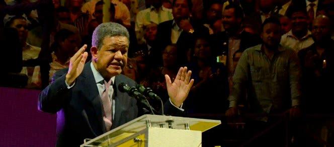 Leonel Fernández durante su discurso. Foto: José De León.