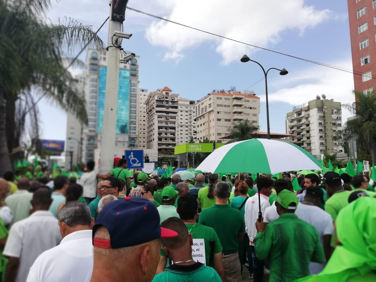 27. La marcha arrancó desde las avenidas 27 de Febrero con Tirandentes.