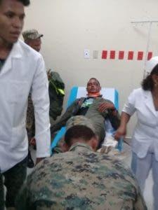 Uno de los oficiales fue trasladado al hospital del municipio Comendador.