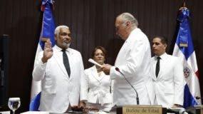 Radhamés Camacho fue juramentado como presidente de la Cámara de Diputados.