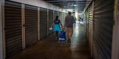 """La simplificación contable, que le quitó cinco ceros al bolívar, es una de las medidas del Gobierno de Nicolás Maduro enmarcada en un plan de """"recuperación y expansión económica"""" con el que el Ejecutivo busca salir de la crisis."""