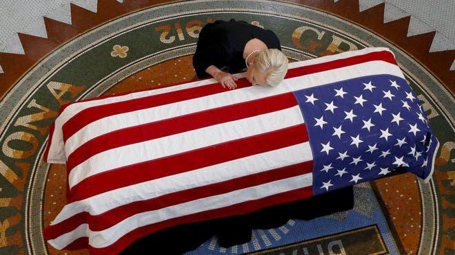 La «última indirecta» de John McCain a Trump y Putin durante el funeral del senador de Arizona