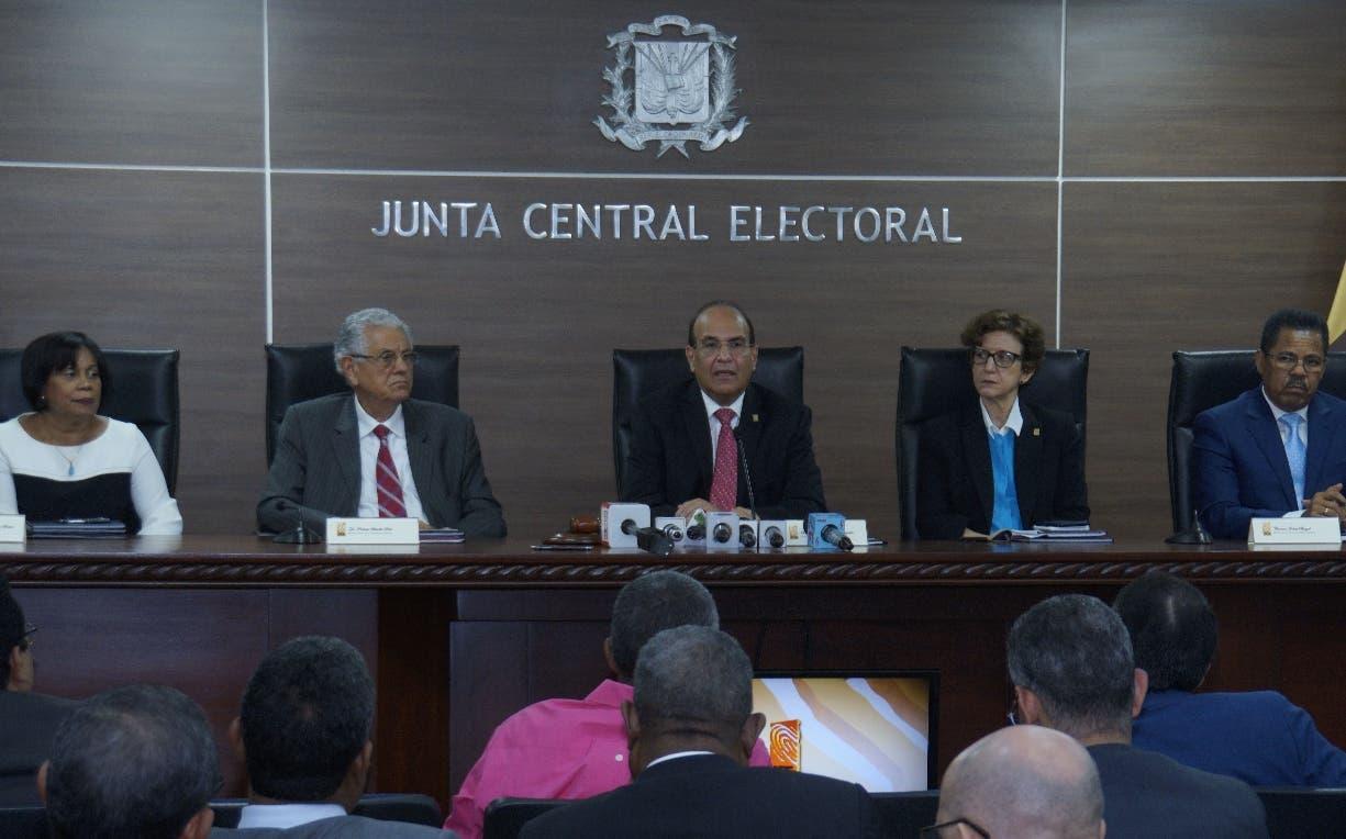 El pleno de la Junta tomó la decisión   anoche a petición de   algunos partidos. Elieser tapia.