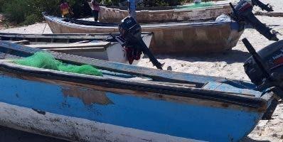 Las yolas que fueron ocupadas a los pescadores haitianos.