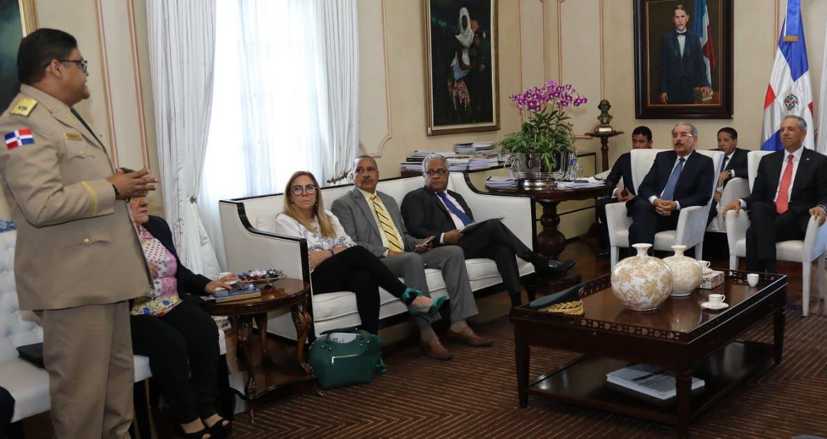El director del COE presentó informe en reunión  con el presidente Medina.  fuente externa