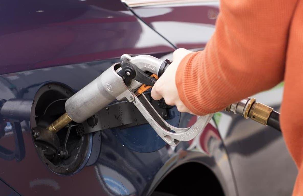 Desde el pasado viernes  las industrias de combustibles esperan respuesta del MICM.