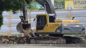 Uno de los equipos usados en construcción de terminal.