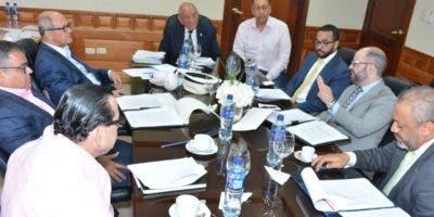 Los senadores se reunirán con el ministro Donald Guerrero  la próxima semana. archivo