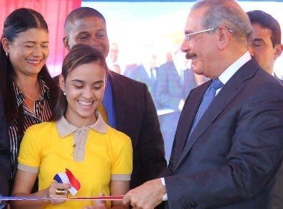Danilo Medina encabezó inauguración.  fuente externa