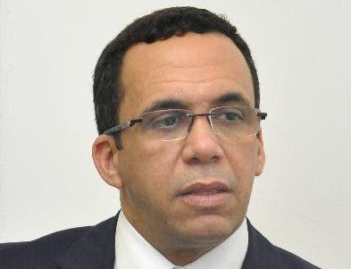 Andrés Navarro busca proteger a  discapacitados  .  ARCHIVO.