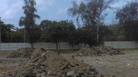 Parte del terreno donde se construirán parqueos.  archivo
