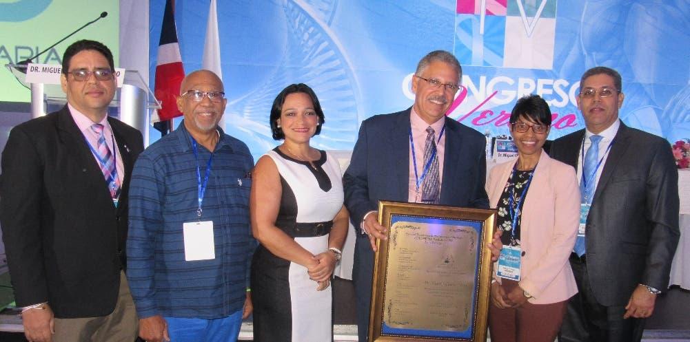Edward Valdez, Julio Ferreras, Claudia de los Santos, Miguel Villalona, Nalia Cruz y Ramón Pérez Martínez.