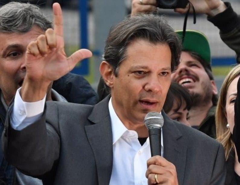 Fernando Haddad encabeza  primer acto político en Brasil.
