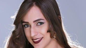 """Danibel Bretón, """"La barbie del acordeón""""."""