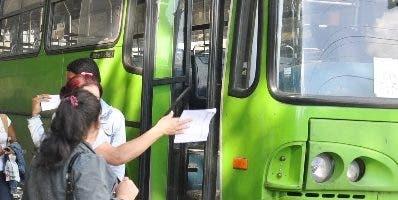 Los autobuses cuentan con internet wifi gratuito.