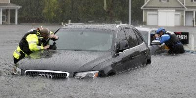 Las catastróficas inundaciones  impiden el regreso  de los evacuados a Las Carolinas.