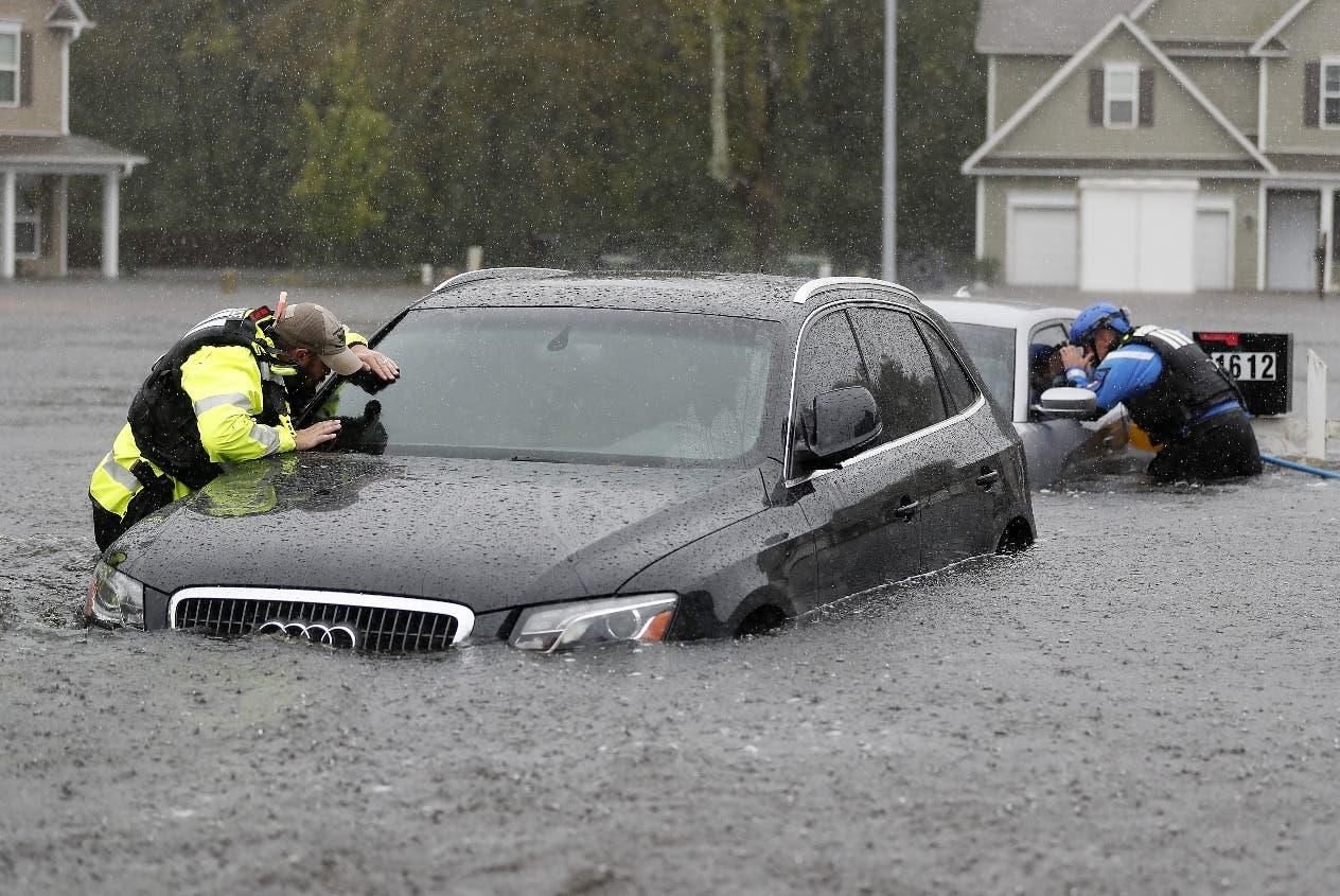 'Florence' produce caos, arrasa en Las Carolinas