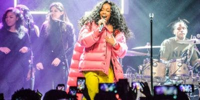 """SZA, cantautora de 27 años   seguida por """"millennials"""".  FUENTE EXTERNA"""
