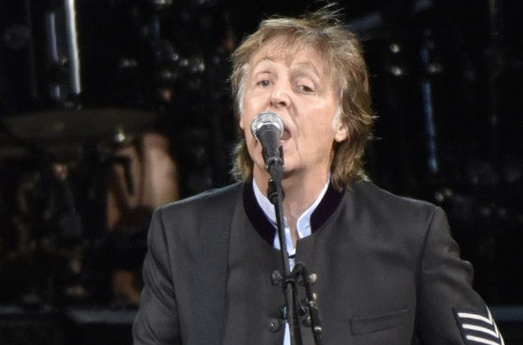 Paul McCartney cantó de sorpresa en el Central Park.