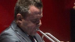 El trompetista  José Sibaja en el concierto temporada 2018.
