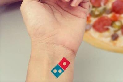 Ese establecimiento es nada más que Domino's Pizza.