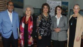 Abil Peralta, Myrna Guerrero, Verónica Sención, Marianne de Tolentino y Bárbara  Warren.