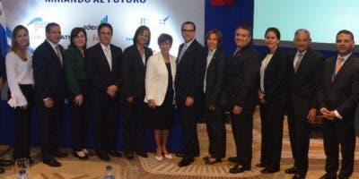 Los ejecutivos durante el congreso de capacitación.