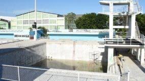 Vista de los trabajos de reparación del Complejo Acuático del Centro Olímpico Juan Pablo Duarte.  Alberto Calvo