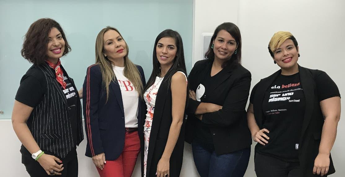 Carla Collado, Jeannette Villanueva, Judi Rodríguez, Belys Rodríguez y Yara Gonzalez