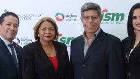 Adrián Miguel Guzmán Durán,  Josefina Pepín,   Enrique Rosas y Angelyn Carrasco.