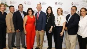 Cristiane Van Arsdale, Dae Kim, Juan E. Álvarez, Zoila Bello, Nicolaas Mostert, Katia Rodríguez, Elaina Sosa, Manuel Cáceres y Carolina Silva.