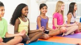 La práctica de Yoga & Mindfulness desde la infancia proporciona a los niños la base para tener una mejor vida adulta.