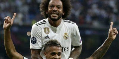 El dominicano Mariano Diaz celebra ayer junto al carioca  Marcelo, un gol   frente al Roma.