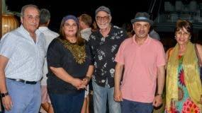 Lorenzo Sancassani, Zaidy Rijo, César Holmos, Marco Pignataro y  Taty Olmos, durante el concierto en Cap Cana.