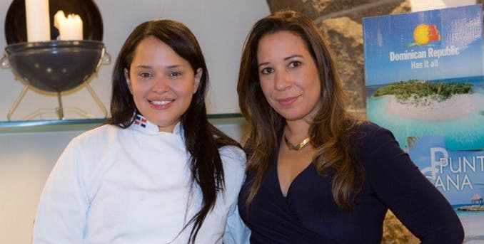 Lewanda Bello y Patricia Polanco de Olmos.