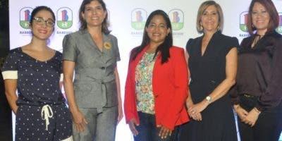 Julie Charlier, Adriana Mena, Ángela Marzo, Raquel Armenteros de Mathis y  Aracelis Disla.