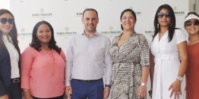 Rossy Santana, Carmen Astacio, Raúl Gómez, Rosa Lily Zapata, Olga Álvarez y Merary Herrera.
