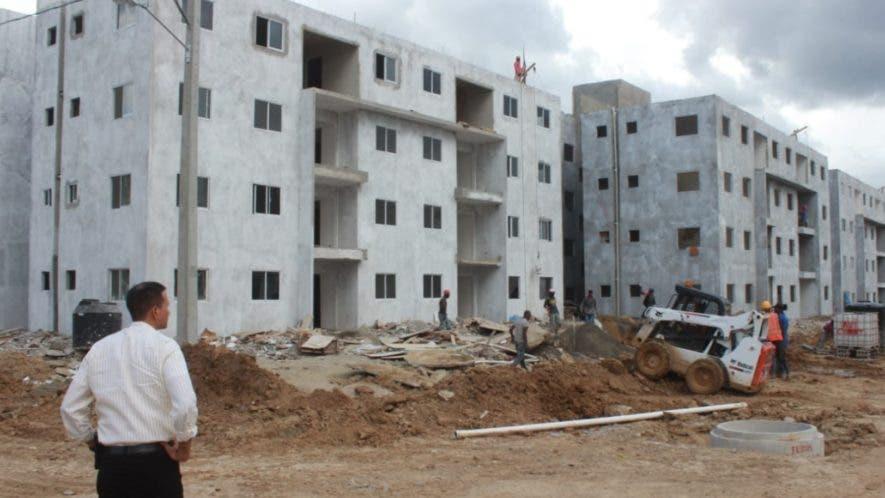 Aspecto de los trabajos de la Villa Olímpica, en donde se hospedarán los atletas en los Juegos Nacionales de Salcedo.