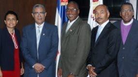 Los representantes de ambas entidades que participaron en la reunión.