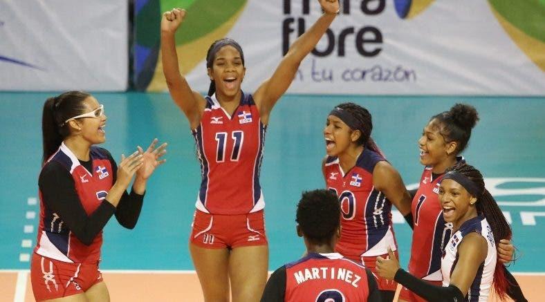 Jugadoras dominicanas celebran el triunfo.  fuente externa