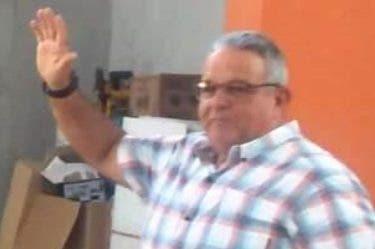 Víctor Almonte, de  Fedobox,  juramenta a los directivos.